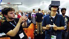 Brýle pro virtuální realitu budou přelomem v elektronice a letošním hitem