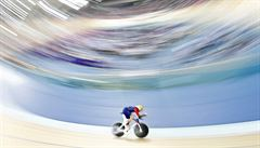 Cyklista Wiggins i přes velkou krizi překonal světový rekord v hodinovce