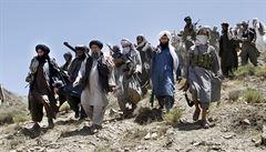 Taliban propustil posádku pákistánského vrtulníku