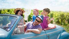 Na krátké trasy stačí taxi, auto z půjčovny ale dovolenou usnadní