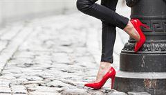 Špatná bota může způsobit i bolest hlavy. Tady jsou triky, jak vybrat správně