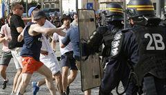 Rusko se bouří a hrozí Francii sankcemi: Zatčení našich fanoušků je nepřijatelné