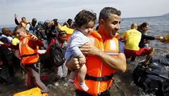 Od pátku bylo ve Středozemním moři zachráněno přes 6000 uprchlíků