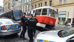 V centru Prahy se srazily tramvaje, jeden vůz vykolejil. Nikdo nebyl zraněn
