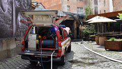 V Praze hořela italská restaurace. Na místo vyjelo sedm hasičských jednotek