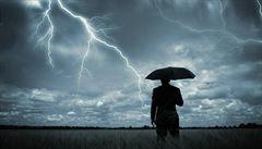Východ Čech zasáhnou silné bouřky, večer se objeví na Moravě a ve Slezsku