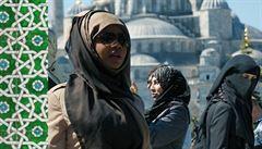 Krutosti válek očima ženských obětí. Tři autorky líčí osobní zkušenosti z konfliktů