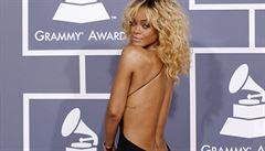Rihanna navrhla další model. Tentokrát futuristické tenisky