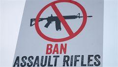 'Zákaz prodeje zbraní šílené střelce nezastaví. Myslet si to je iluze'