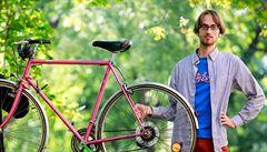 Majitel bikesharingové služby o tom, proč natřeli bicykly barvou, kterou nikdo nechtěl