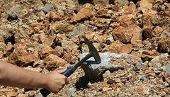 Český geolog objevil neznámý minerál, dostal jméno Příbramit