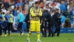 Casillas neunesl, že je dvojka. K trenérům se nechoval dobře, zlobí se Del Bosque