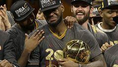 Cleveland má první titul v NBA. LeBronu Jamesovi se splnil sen