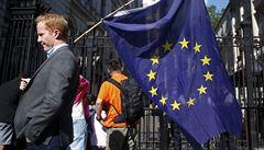 Tisíce Britů chtějí francouzské občanství. Desetinásobně více než před brexitem