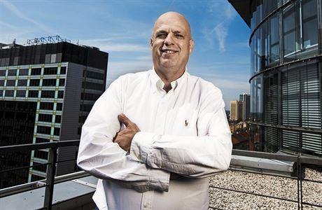 Při autonehodě zemřel bývalý generální ředitel antivirové firmy Avast Vince Steckler. Bylo mu 62 let