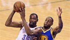 Nečekaný přestup v NBA. Hvězdný Durant zamířil za Currym do Golden State