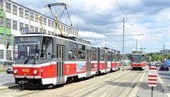 Obousměrná tramvaj 'kachna' slaví 30 let na pražských kolejích