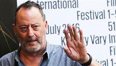Jean Reno dorazil do Karlových Varů. Převezme Cenu prezidenta festivalu