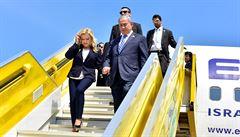 Manželka Netanjahua se údajně dobývala do kokpitu pilota, protože ji nepřivítal na palubě