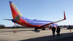 Dopravní letoun v USA omylem přistál na letecké základně