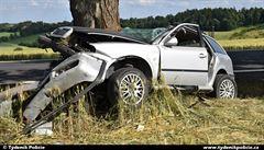 Zraněný pasažér strávil čtyři dny s mrtvým řidičem. Nehoda se stala v opuštěných končinách u Petrohradu