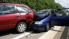 Nehoda tří aut zablokovala dálnici D5 u Prahy, dálnice už je znovu průjezdná