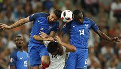 Fotbalisté, hrozí vám demence, varují hlavičkáře angličtí vědci
