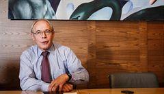 Největší zlo bankovnictví? ,Služby zdarma,' říká šéf Komerční banky