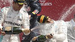 Hamilton opanoval domácí Velkou cenu Británie, lídr šampionátu Rosberg druhý