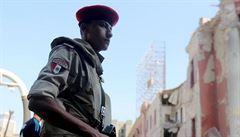 V Egyptě zaútočil střelec na autobus s koptskými křesťany: 28 mrtvých a 22 zraněných