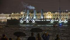 Křižník Aurora se po opravách vrátil do Petrohradu