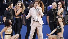 Zpěvák Cliff Richard chce žalovat BBC kvůli domovní prohlídce před dvěma lety