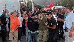 Vydá Řecko uprchlé turecké vojáky? Rozhodne čtvrtek, slíbil Tsipras