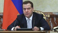 'Peníze nejsou, ale držte se.' V Rusku se draží perník se slavným výrokem ruského premiéra