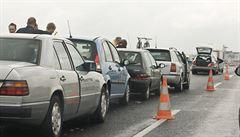 Odpolední hromadná srážka na D1 způsobila dlouhé kolony ve směru na Brno