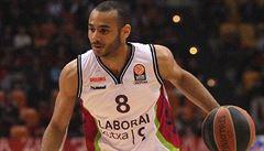 Basketbalista dražší tří fotbalistů. Barcelona se zamilovala do Maďara Hangy