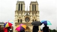 Hromadné přepadení čínských turistů v Paříži: tři lidé skončili v nemocnici