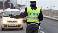 Dodržování opatření bude kontrolovat přes 30 tisíc členů policie, armády a celní správy. Vytipovali si stovky stanovišť