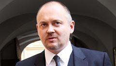 Odchod do opozice může ČSSD pohřbít, míní Hašek. Do vedení strany nechce