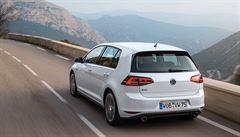 Volkswagen se potřebuje zbavit 2500 lidí ročně. Pošle je do důchodu