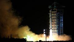 Vesmírný filozof vs. hackeři. Čína slaví, jako první vypustila kvantový satelit