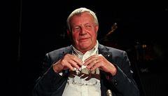 Spisovatel a novinář Karel Hvížďala slaví 75. narozeniny