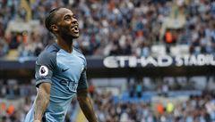 Citizens porazili ve šlágru Tottenham 4:1, v lize vyhráli už pošestnácté v řadě