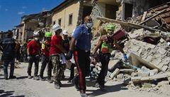 Byly slyšet jen kočky, říká svědek zemětřesení v Itálii