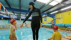 Štrasburský soud: Švýcarské muslimky neměly právo na výjimku z kurzů plavání