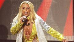 'Kvůli koronaviru musíme přerozdělit majetek!' Internet má Britney Spearsovou za královnu komunistů