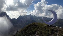 Švýcaři se přou o půlměsíc na alpském vrcholku