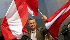 Zeman se vloží do boje o Hofburg. V pondělí přijme populistického kandidáta Hofera