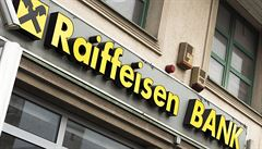 Raiffeisenbank krouží kolem Monety, spojením by vznikla banka s více než milionem a půl klientů