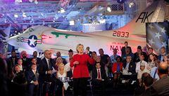 Clintonová: Udělali jsme svět bezpečnějším. Přesto musela opět hájit své nakládání s e-maily